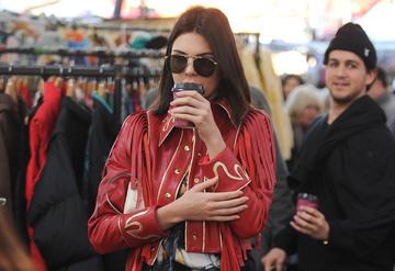 Kendall Jenner semt pazarında