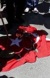 Ermeniler Kudüste Türk bayrağını yaktı