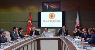 Yarg� paketi alt komisyona sevk edildi