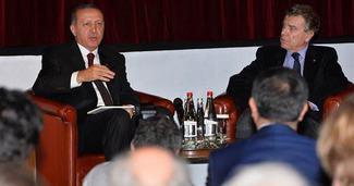 Erdo�an'a Fransa'da AK Saray sorusu
