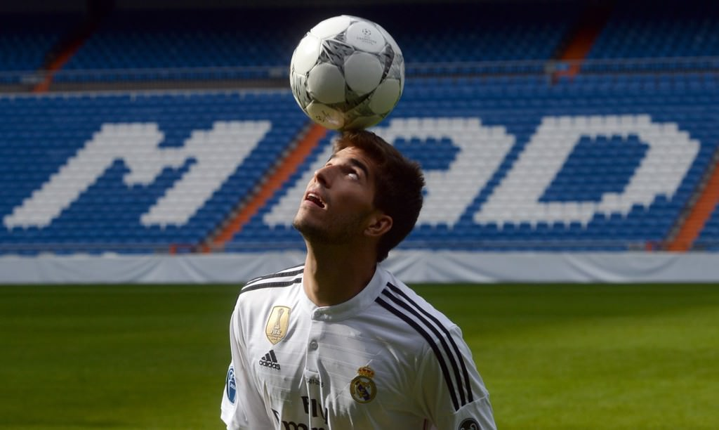 Real Madrid, Silva'yı basına tanıttı