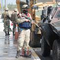 Diyarbak�r'da asker soka�a indi!