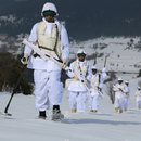 Komandoların kış tatbikatı nefes kesti