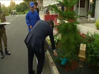 Ahmet Davuto�lu'ndan asker ailesine jest
