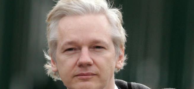 Assange teslim oluyor