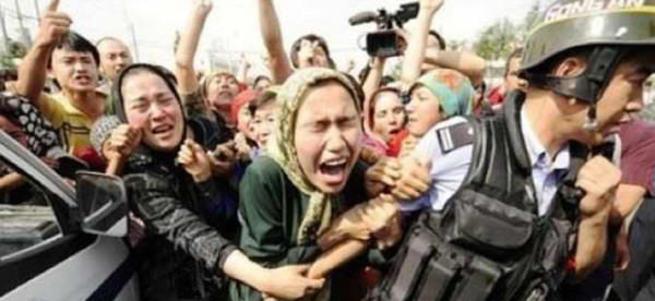 Beş bin Uygur Türkü zulümden ölüme kaçtı
