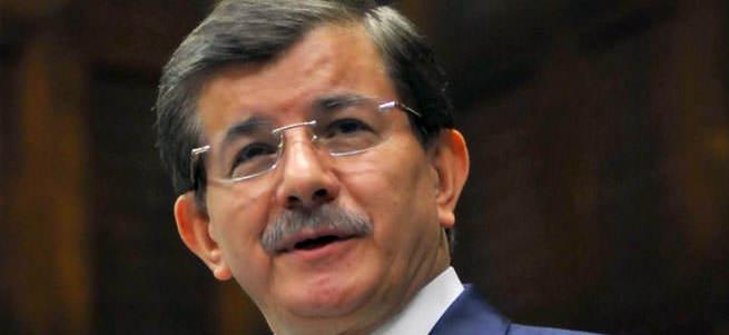 Başbakan Ahmet Davutoğlu: CHP ve MHP'ye aynı uzaklıktayız
