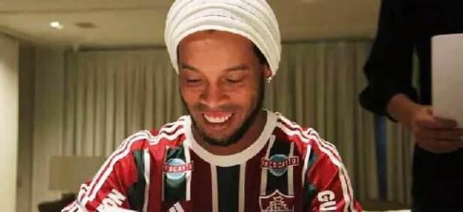 Ronaldinho yeni kulübüyle anlaştı