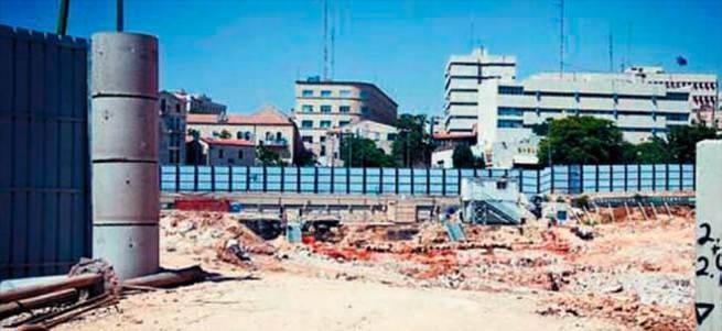Müslüman mezarlığının üstüne İsrail oteli