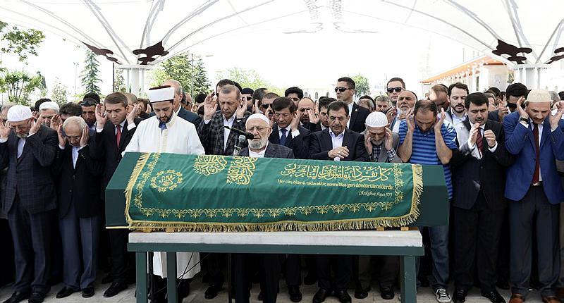Erdoğan ve Davutoğlu'ndan Ali Nar'a veda