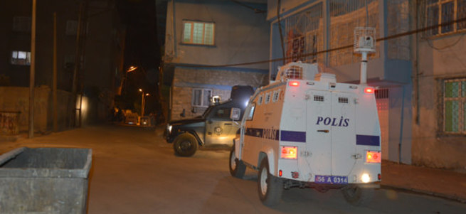 Bitlis'te polis noktasına saldırı: 2'si polis 3 yaralı