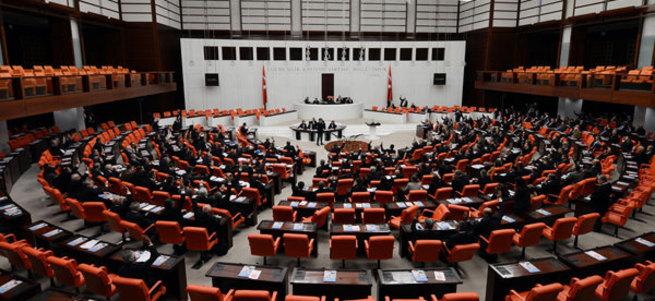 Davutoğlu'ndan kritik HDP hamlesi