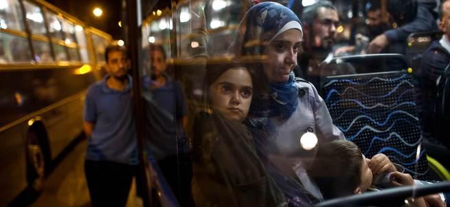 Almanya da mültecilere kapılarını açtı