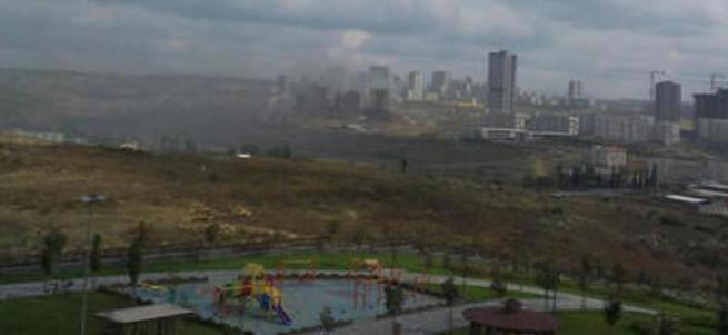İstanbul'da iki İETT otobüsü yakıldı