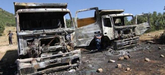 PKK'lı teröristler iş makinelerini yaktı