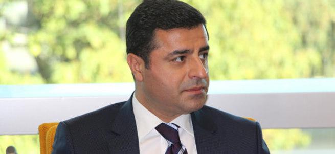 HDP'li vekiller Selahattin Demirtaş'ı yalanlıyor