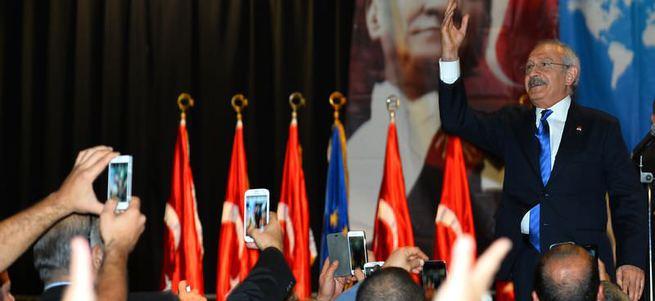 Kılıçdaroğlu'nun katıldığı etkinlikte boş sandalyeler