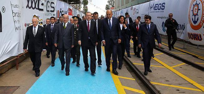 Cumhurbaşkanı Erdoğan harp gemisinin denize indirilme törenine katıldı.
