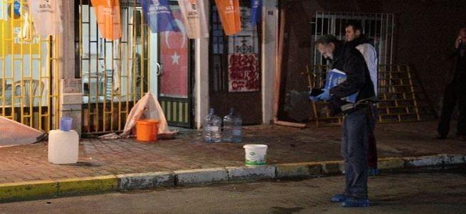 AK Parti seçim bürosuna bombalı saldırı