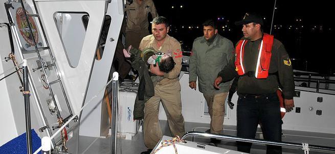 Mülteci botu battı: 4 ölü!