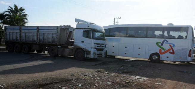 Şırnak'ta yol kesen teröristlere tepki