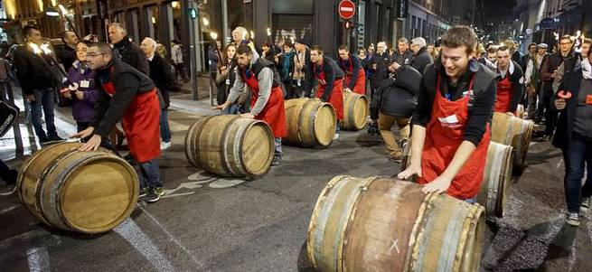 Fransa'da şarap festivali düzenlendi