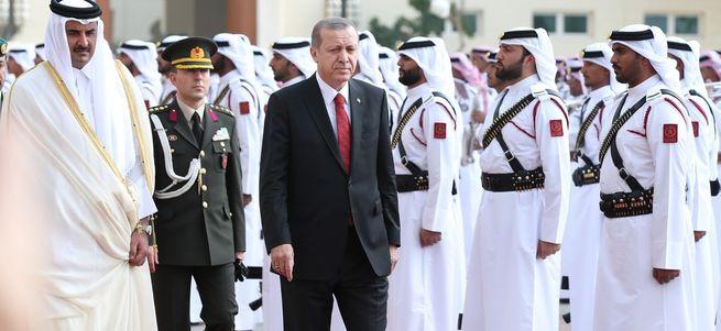 Katar ile vizeler kaldırıldı