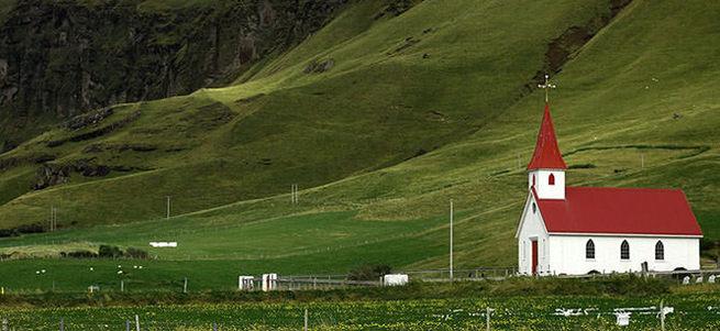 İzlandalılar bir anda din değiştirdi