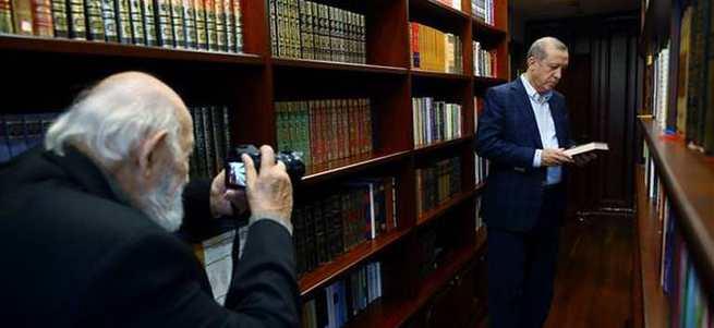 Cumhuriyet, Ara Güler'den özür diledi