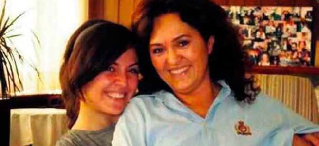 Psikolojik sorunları olan kız annesini boğarak öldürdü