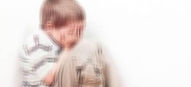 3 yaşındaki çocuğunu döverek öldürdü
