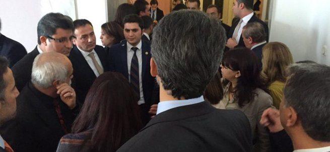 Davutoğlu'ndan görüşmek isteyen HDP'lilere 'hendek' cevabı