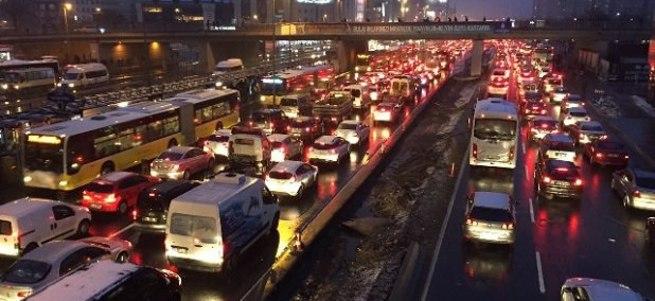 Trafik sigortası poliçelerindeki zam mercek altında