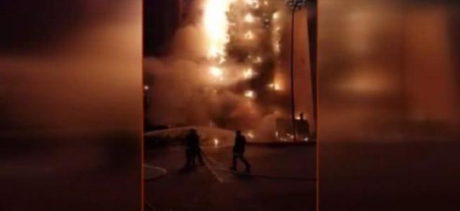 Mekke'de Türklerin de kaldığı otelde yangın