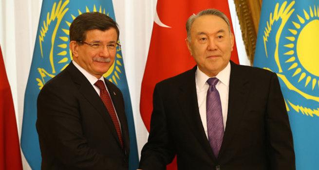 Davutoğlu: Ben dahil 78 milyon 600 Kazak var