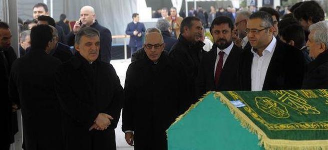 Abdullah Gül'den 'çelenk göndermeyin' mesajı