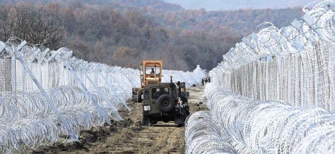 Makedonya, Yunanistan sınırını adım adım kapatıyor