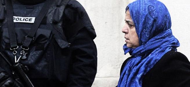 ABD'de 2 Müslüman kadın uçaktan indirildi