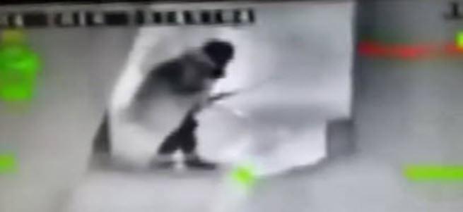 PKK'lının vurulma anı kamerada!