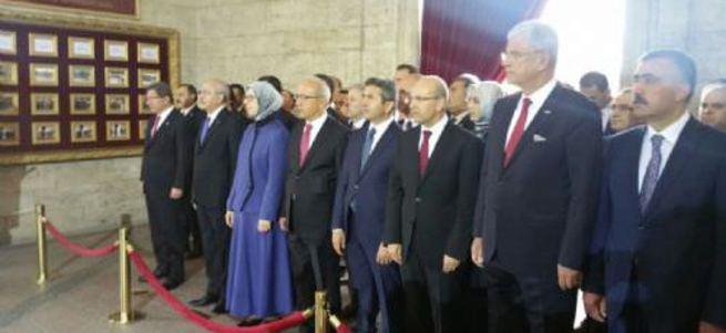 Bakan Ramazanoğlu, Kılıçdaroğlu'nun yüzüne bile bakmadı