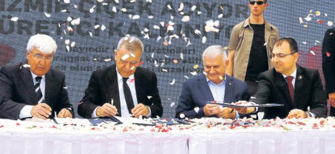 CHP'li Kocaoğlu ile Binali Yıldırım külliye açtı