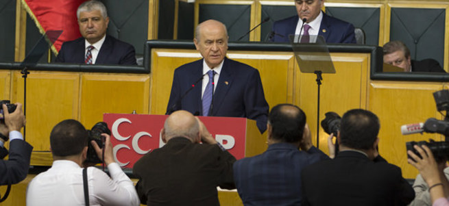 Bahçeli: Türkiye kendi göbek bağını kesecektir