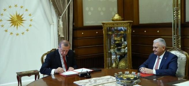 Erdoğan imzayı böyle attı!