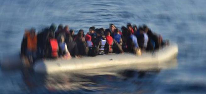 Girit açıklarında yüzlerce sığınmacıyı taşıyan bir tekne battı