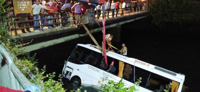 15 kişinin öldüğü kazada midibüs şoförü kusurlu bulundu
