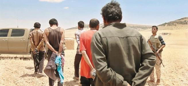 PKK/PYD onları tutuklayıp Esed'e verdi