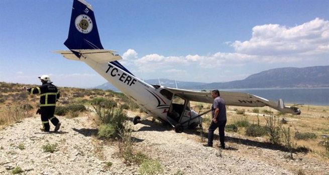 Isparta'dan kalkan uçak zorunlu iniş yaptı