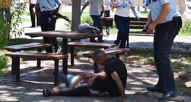 Eşini vurdu, kucağına alıp 'Ne olur ölme' diye yalvardı