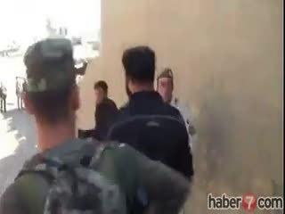 Pe�merge I��D militanlar�n� esir ald�