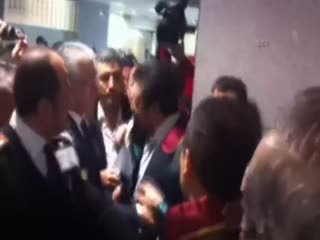 Ekrem Dumanl�'n�n sorgusu öncesi Avukat-Polis tart��mas�